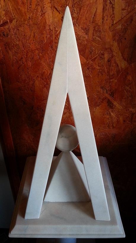 Piramida de marmura 25.jpg